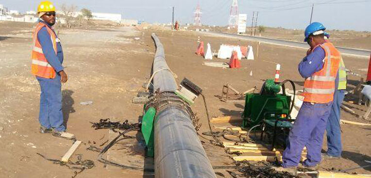 2km-HDPE-water-distribution-pipeline-being-welding-and-installed-in-Muscat-Oman